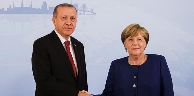 Erdoğan Merkel'le görüştü