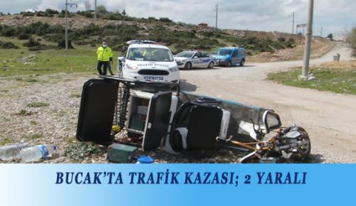 BUCAK'TA TRAFİK KAZASI; 2 YARALI